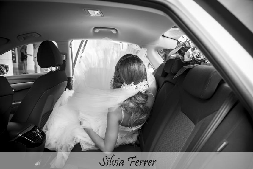Cómo se mete la novia en el coche de bodas