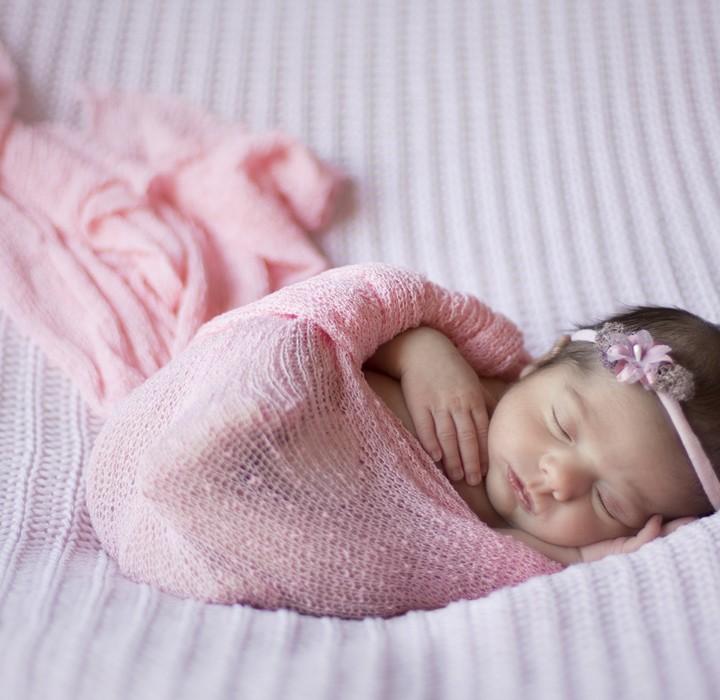 Bienvenida, Olivia. Fotos de recién nacido en Murcia + Silvia Ferrer.