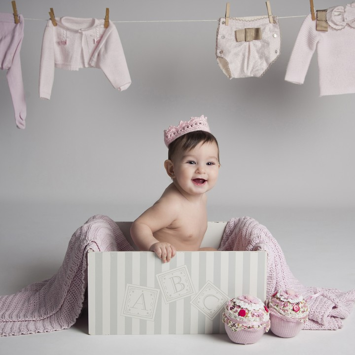 Marina + Fotógrafos de Bebés en Murcia + Fotos de Estudio.