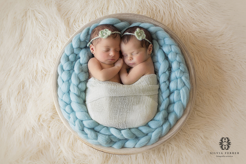 gemelas recién nacidas