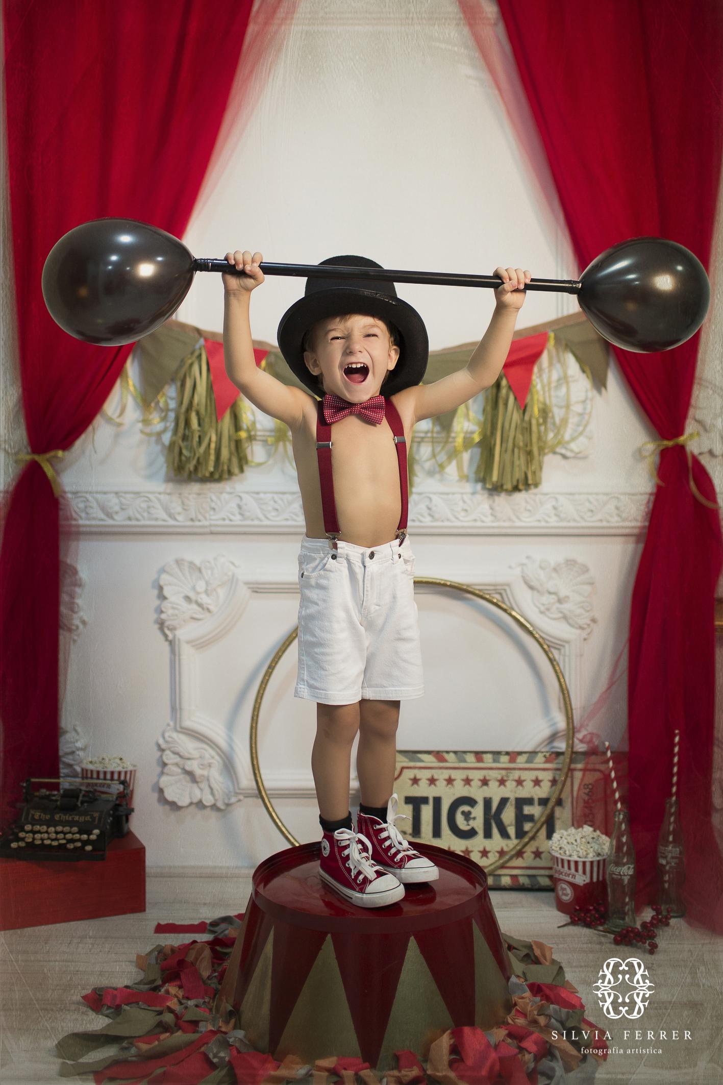 fotos de niños circo