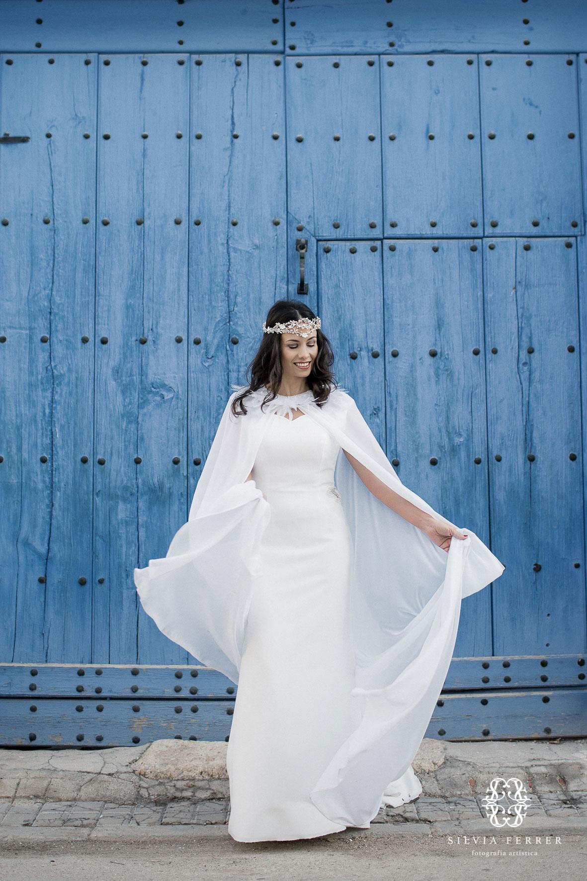 vestidos de novia de invierno con capa