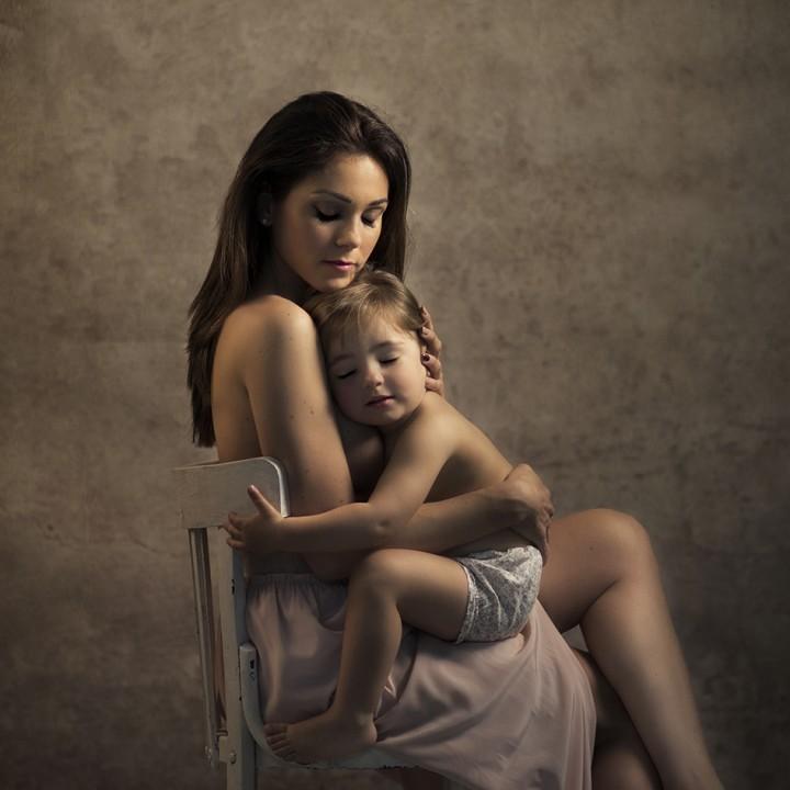 Día de la Madre + Fotos madre e hija + Fotos familiares + Silvia Ferrer + Fotógrafos en Murcia.