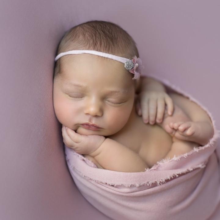 Candela + sesión de fotos de recién nacido + Newborn + Fotografos de bebés.