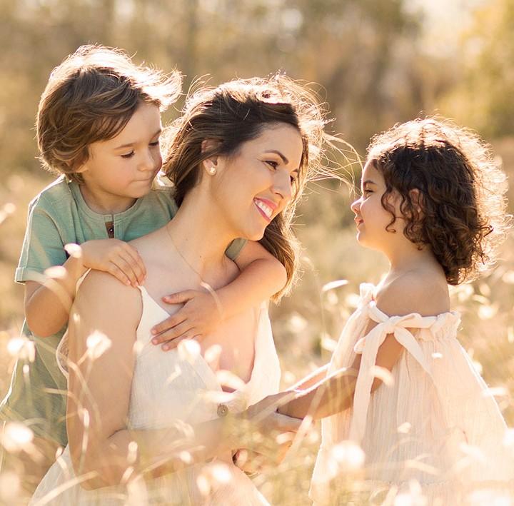 Sesiones de fotos familiares en el campo + Exteriores + Fotógrafos Murcia + Fotografía infantil + Silvia Ferrer.