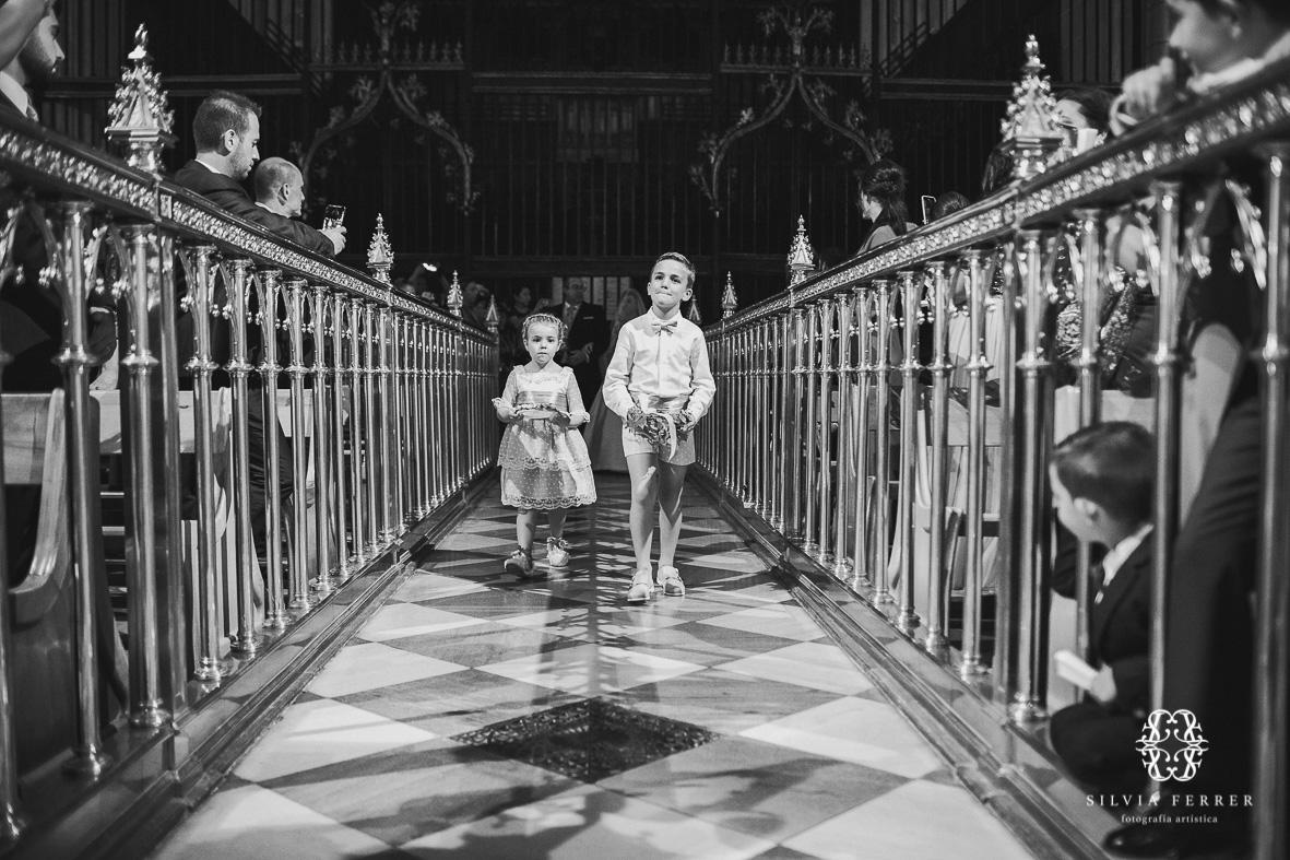 pasillo central altar mayor catedral de murcia
