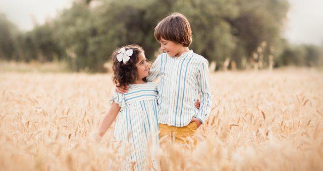 Sesión infantil en el campo + Pablo y Olivia + Silvia Ferrer.