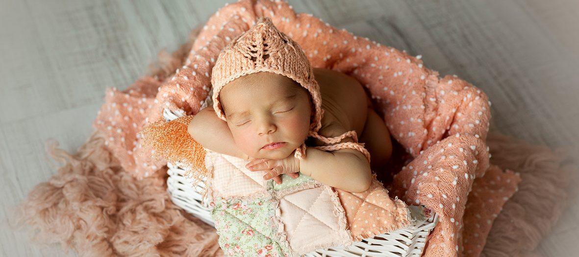 Olivia + Sesión de fotografía para recién nacidos en Murcia.