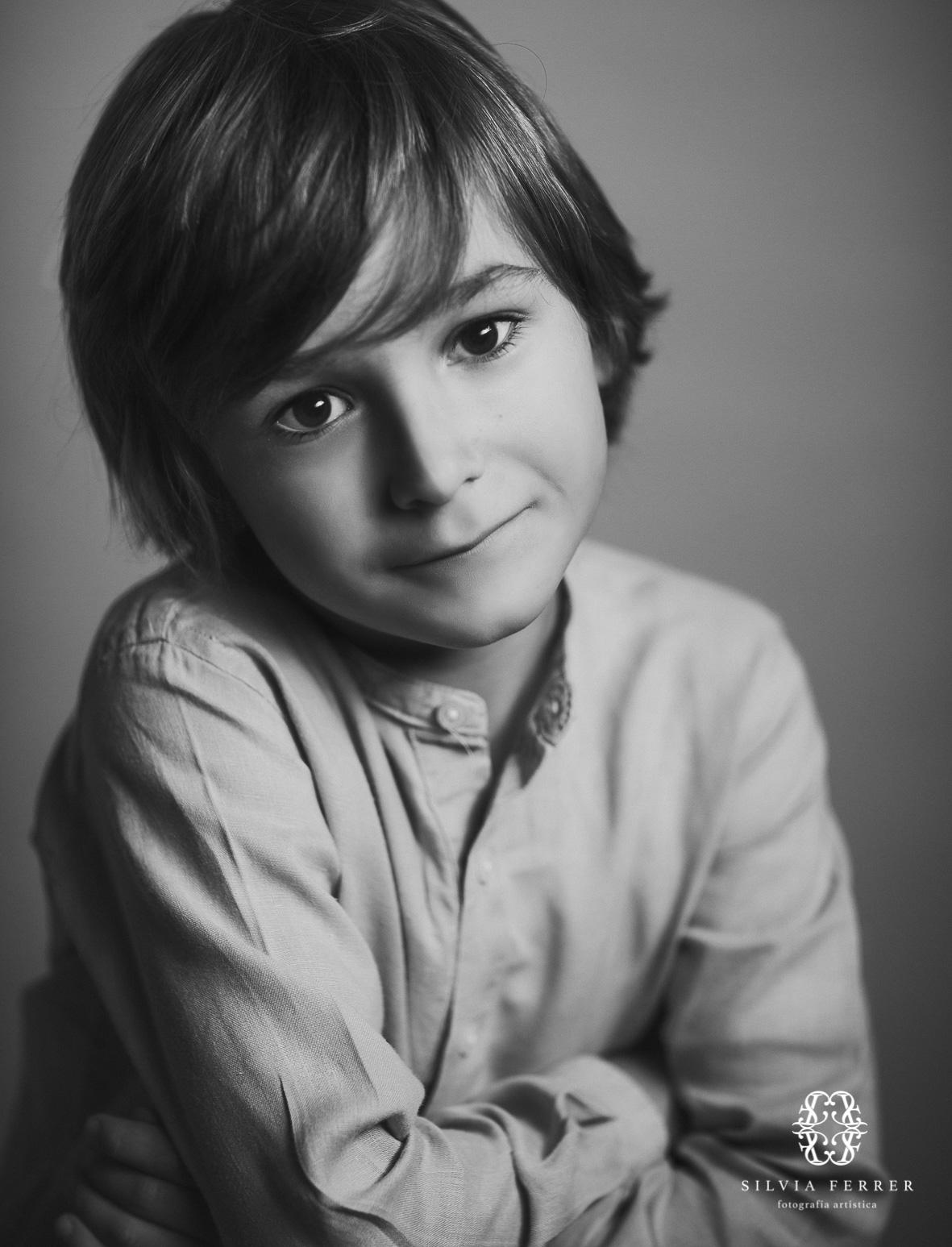 niño guapo en blanco y negro retrato fine art